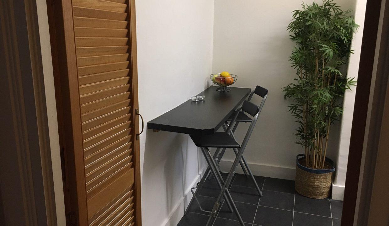 Kitchen - Breakfast Bar 1
